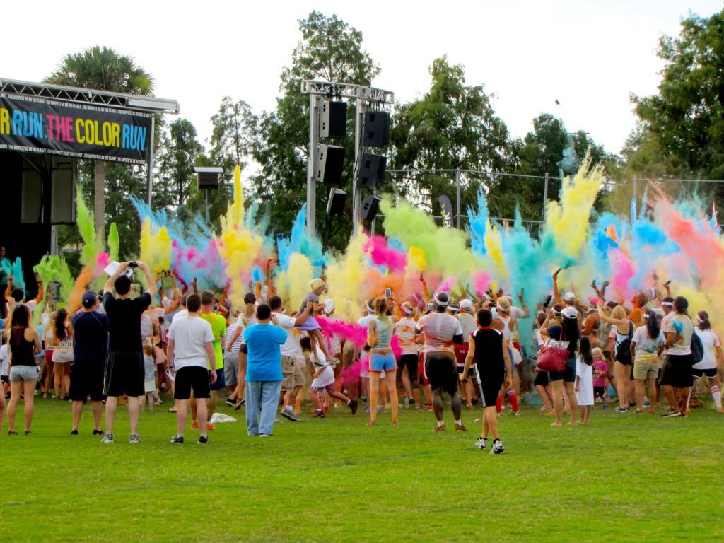 Runners+vibrant+at+Color+Run