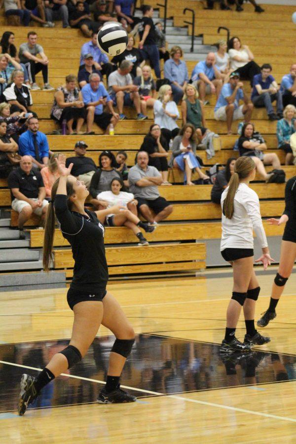 Libero+Caleigh+Johnson+serves+the+ball+on+Thursday%2C+Sept.+29+to+Winter+Springs.+The+team+defeated+the+Bears+3-0.+%0A