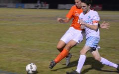 Boys soccer defeats Oviedo in physical game