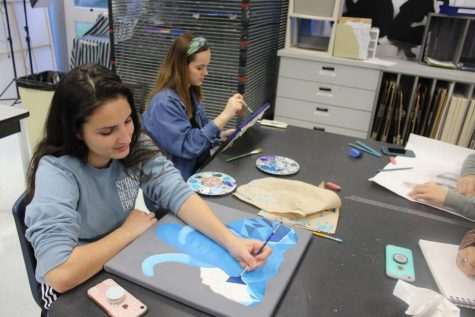 Students prepare for Reflections Art show