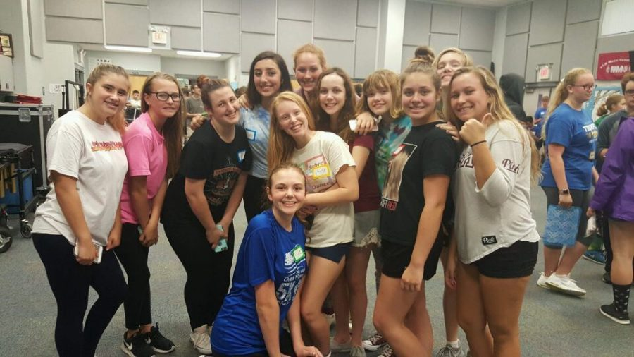 Members+of+the+2018-19+Colorguard+meet%2C+many+for+the+first+time%2C+as+part+of+the+Band+icebreaker+on+Monday%2C+May+21.