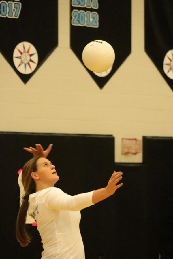 Senior+hitter+Morgan+Roman+delivering+a+serve+in+the+third+set.+With+9+kills%2C+she+helped+her+team+to+a+3-0+victory.
