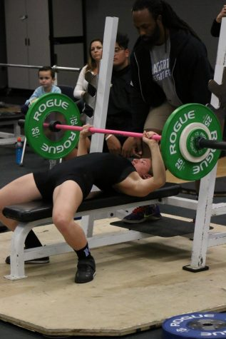 Weightlifting pushes for state championship