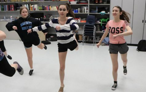 Theater holds showcase for states