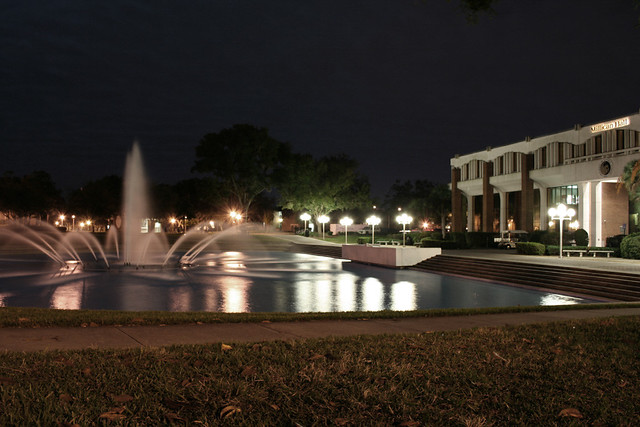 The+University+of+Central+Florida+reflecting+pond+is+an+iconic+landmark+on+campus.